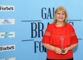 CATENA received the Special Award for the quality of the supply regarding the health of family and children at the Brands for Kids by Forbes 2015 Gala